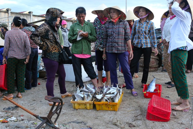 vietnamese-fishermen-remain-stuck-onshore-4-months-after-formosa-disaster-8