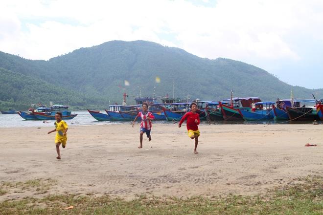 vietnamese-fishermen-remain-stuck-onshore-4-months-after-formosa-disaster-3