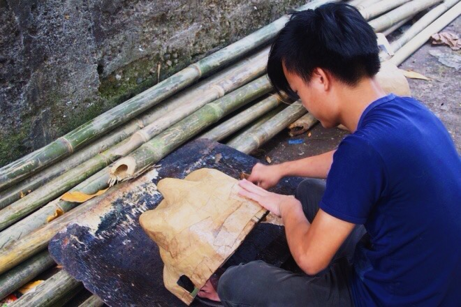 The lion manufacturing starts as early as the second month of the lunar calendar (around February and March) for the product to be ready right before the Mid-Autumn Festival, according to Nguyen Sinh Anh, 43, Hue, a craftsman with 20 years of experience in making lion head.