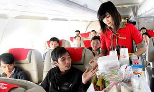 Man forcibly removed from plane after drug prank