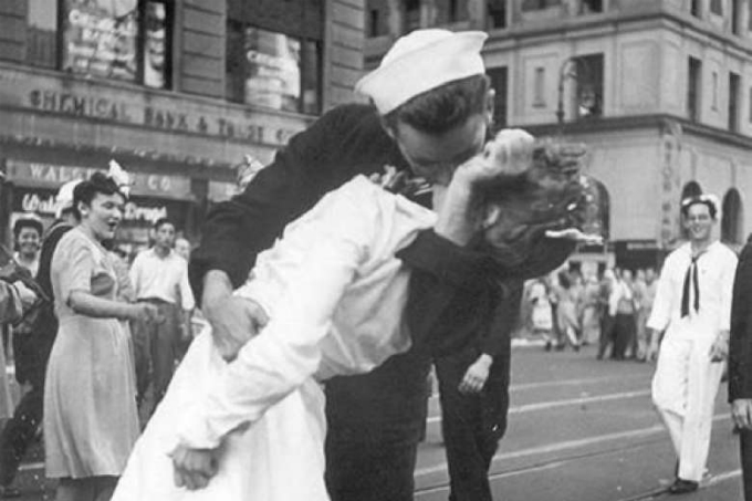 The famous kissing sailor photo. Photo from Facebook