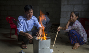 Eco-friendly stoves to protect world's rarest ape in Vietnam