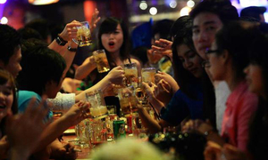 Vietnam plans more beer production as locals keep guzzling