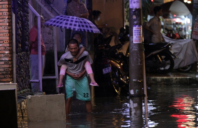 saigon-and-flooding-a-match-made-in-hell-5
