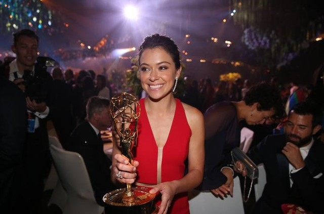 game-of-thrones-wins-leading-12-emmys-4