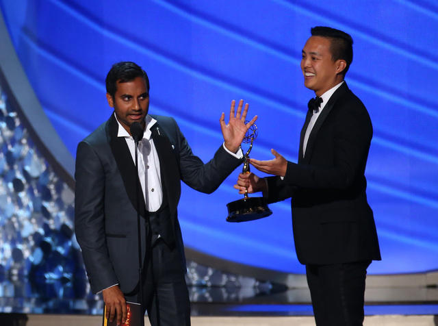 game-of-thrones-wins-leading-12-emmys-3