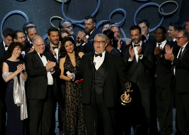 game-of-thrones-wins-leading-12-emmys-1