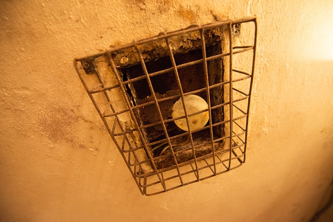 inside-wartime-bomb-shelter-under-famous-hanoi-hotel-6