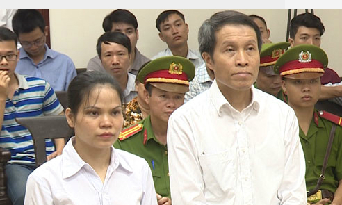 Vietnam court upholds jail terms for bloggers