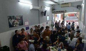 Obama's Vietnam noodle visit sparks feeding frenzy
