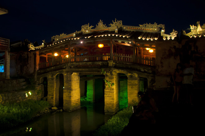 Vietnam's ancient town limits visitors to Japanese bridge to save old icon