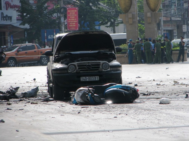bomb-blamed-for-vietnam-taxi-blast-suicide-suspected-3