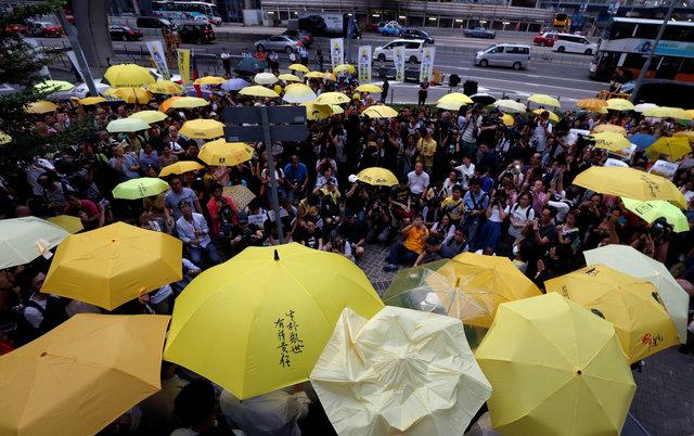 thailand-detains-hong-kong-pro-democracy-activistjoshua-wong