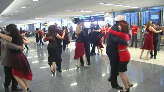 tango-flash-mob-saigon