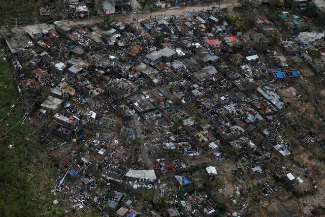 hurricane-matthewkilled-at-least-283-in-haiti-corpse-in-street-no-aid-3