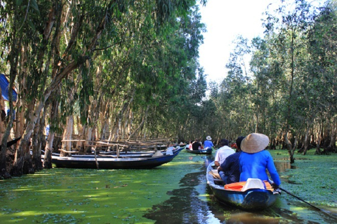 the-mekong-deltas-monsoon-river-ride