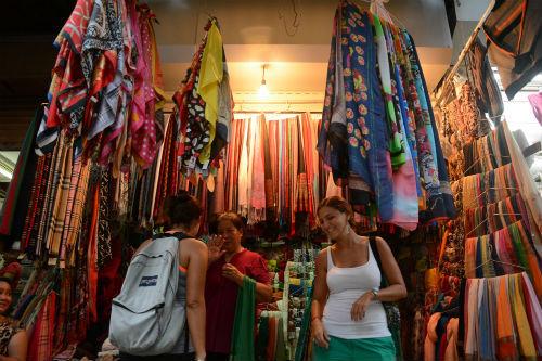 Let's take a walk: Hanoi launches free tour around Old Quarter craft streets