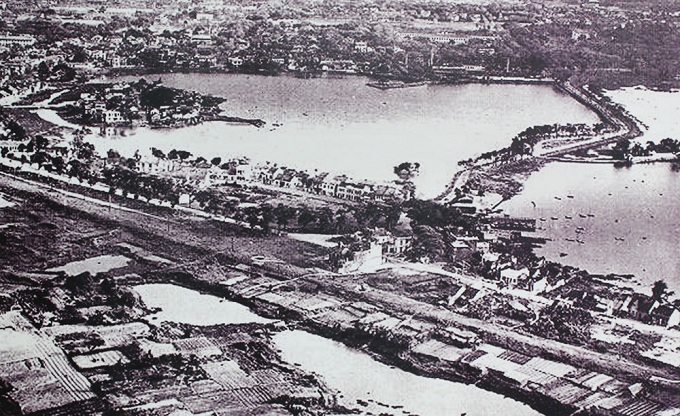 West Lake and Truc Bach Lake in the early years of 20th century. West Lake is the biggest natural freshwater lake in Hanoi, spanning over 500 hectares, and was a part of the old Red River before the re-routing. West Lake is also called Dam Dam, Xac Cao&