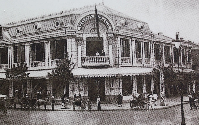 Godard Building - the then shopping mall for the French on Trang Tien Street. The construction of Godard Building was a turn for Hanois trade, which had previously featured only periodic markets and street vendors. After the establishment of Godard, the diversity of goods had improved with exports from foreign countries like France, India among others.