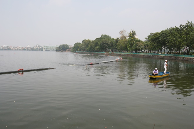 hanoi-lake-returns-to-life-after-mass-fish-deaths-8