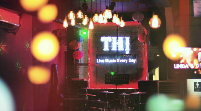 thursday-ladies-night-at-thi-bar-saigon
