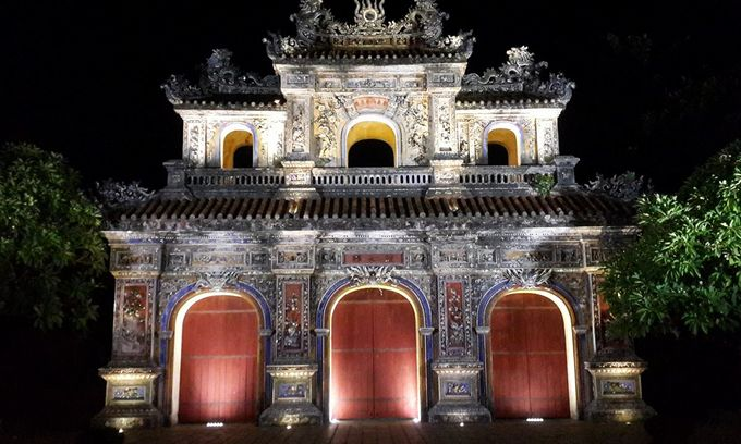 Hue to open royal citadel at night for tourists to escape summer heat