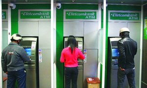 Vietcombank locks multiple cards over ATM theft risks