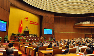 Vietnamese lawmakers deny debt ceiling increase, insist gov't control spending