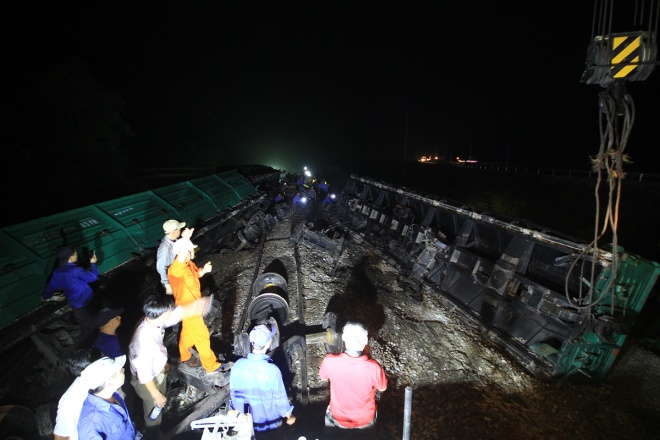 train-crash-in-central-vietnam-severs-north-south-railway