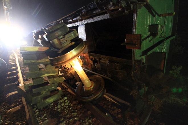 train-crash-in-central-vietnam-severs-north-south-railway-8
