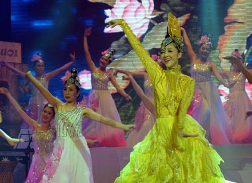 Saigon's mediocre art performances drive tourists to sleep
