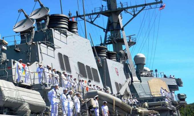 Vietnam walks a thin line as American, Chinese warships make landmark port calls