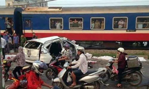 Car-train collision leaves 5 dead in Vietnam