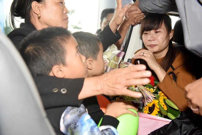 vietnamese-sailors-finally-home-four-years-after-being-taken-by-somali-pirates-ed-5
