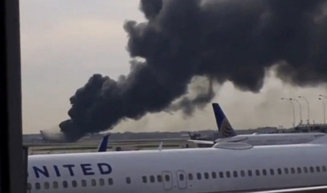 american-airlines-jet-catches-fire-on-takeoff-at-chicago-airport
