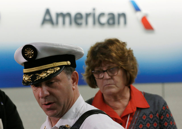 american-airlines-jet-catches-fire-on-takeoff-at-chicago-airport-1