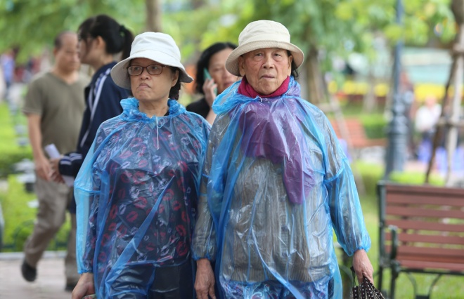 hanoi-welcomes-first-breeze-of-winter-3