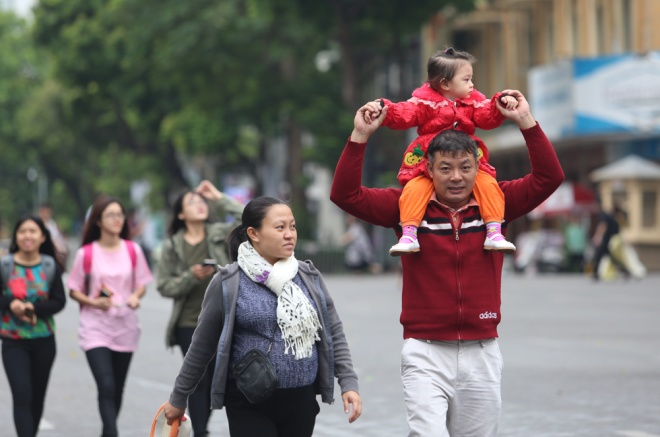 hanoi-welcomes-first-breeze-of-winter-6