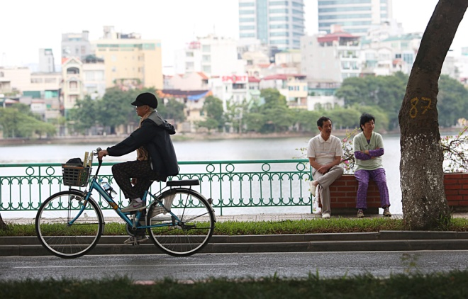 hanoi-welcomes-first-breeze-of-winter-7