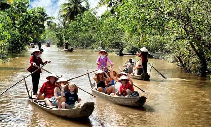 Visa waivers lift Vietnam's foreign tourist arrivals