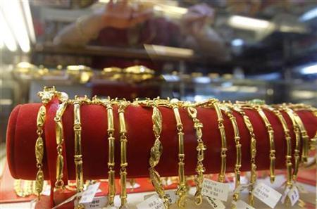 Vietnam's gold traders call for trading floor, rules relaxation