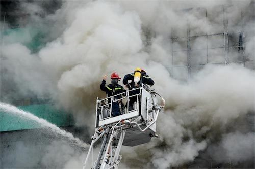 Hanoi suspends new business licenses for karaoke parlors in wake of deadly blaze