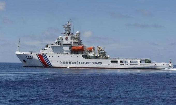 Chinese Coast Guard ship makes landmark visit to Vietnam