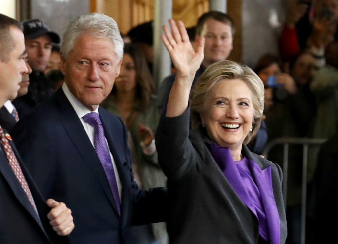 Hillary Clinton departs with her husband, former U.S. President Bill Clinton, after addressing her staff and supporters about the results of the U.S. election at a hotel in the Manhattan borough of New York, U.S., November 9, 2016. Photo by Reuters/Lucas Jackson