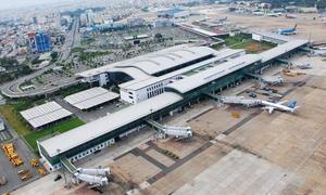 Saigon airport adopts new navigation method to address air traffic congestion