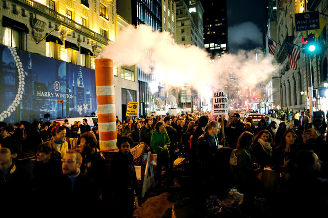 protesters-take-to-us-streets-over-trump-victory-2