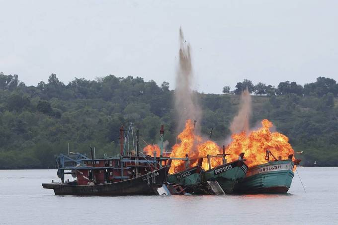 Vietnam protests deadly shooting of fisherman by Indonesian navy