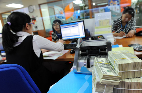 Vietnam welcomes foreign investors for banking restructuring