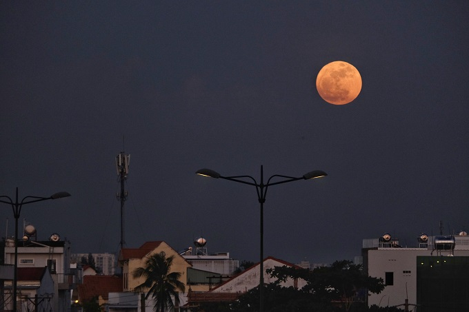 best-photos-of-supermoon-from-vietnam-8