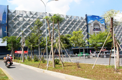 Ho Chi Minh City airport opens $25 mln parking garage